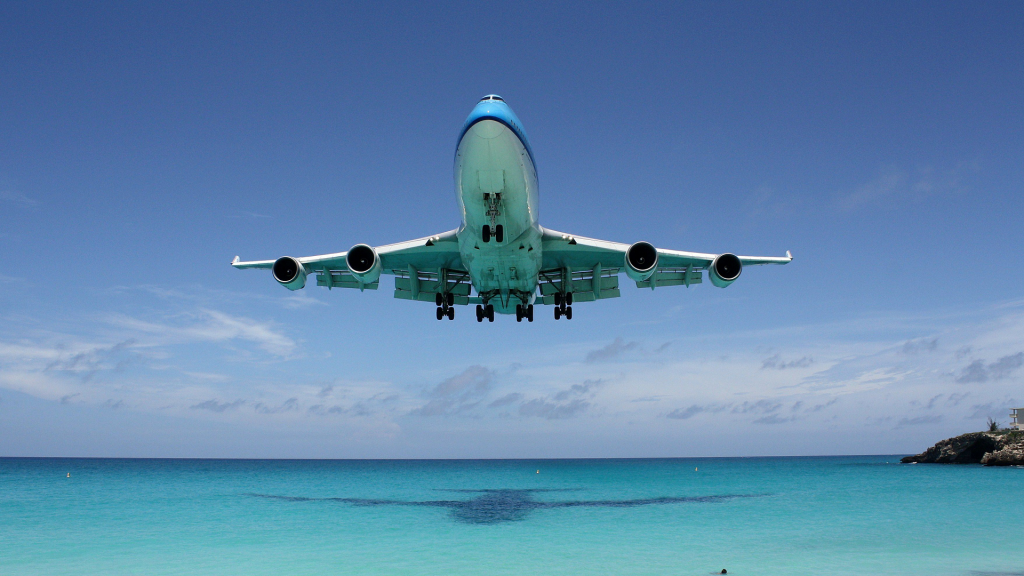 Aircraft Summer flights